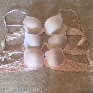 Victoria Secret & PINK bras.